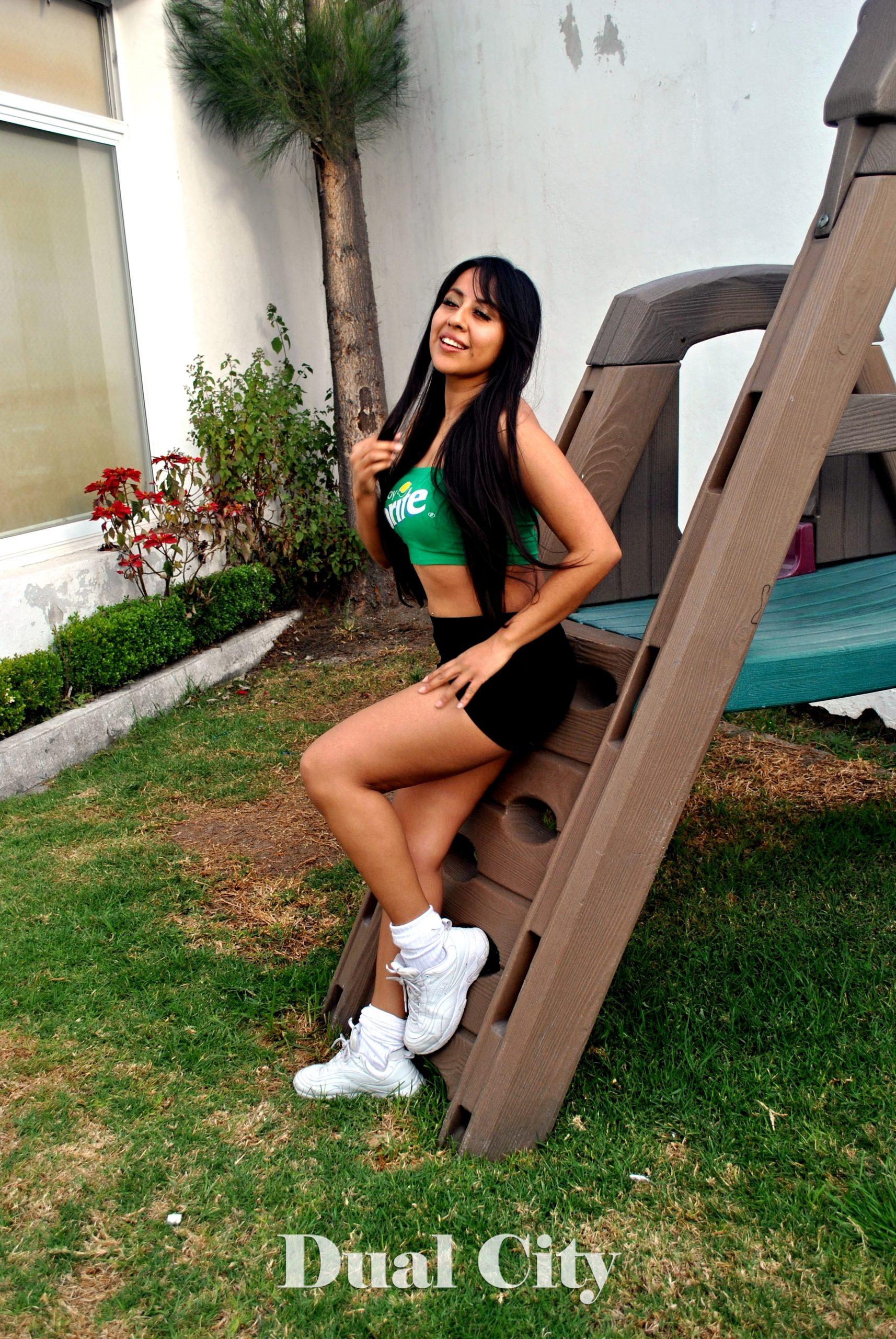 Karina Sarat en Dual City